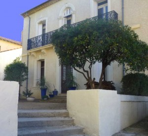 Entrance from front parking at Villa Roquette in the South of France