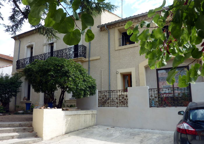 Buying property in languedoc stay at Villa Roquette