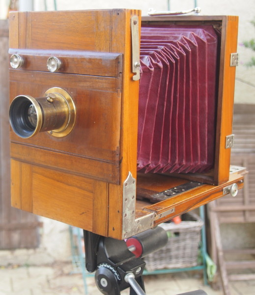 wet plate collodion camera from Villa Roquette