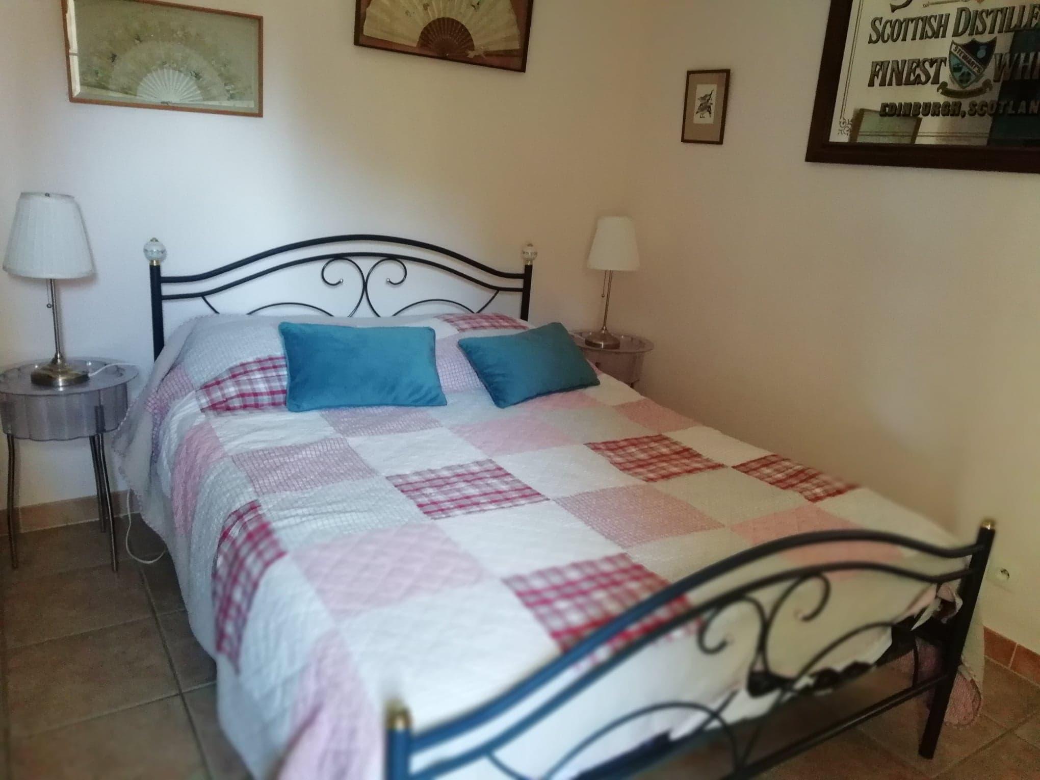 Villa Roquette Poppy Bedroom